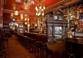 Explore pubs in Dublin