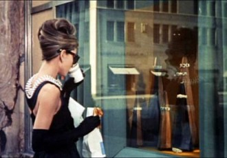 travel fashion, audrey hepburn