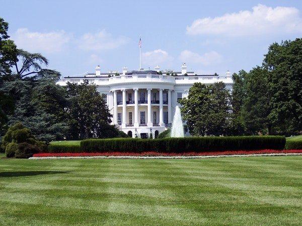 White House image from a distance