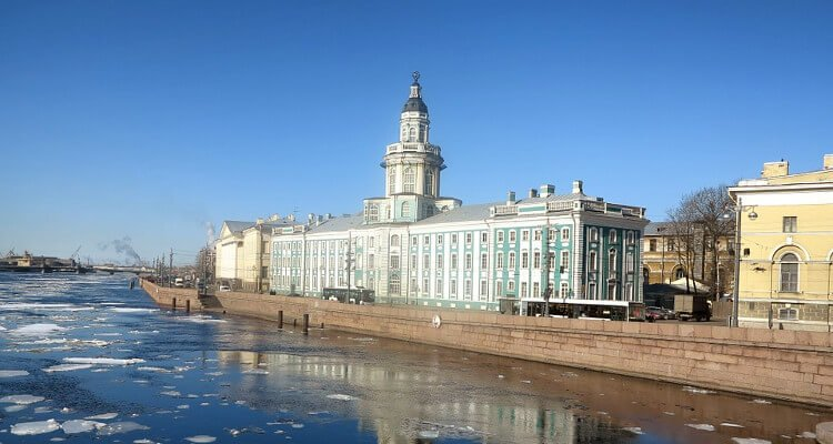 chivalry-and-romance-found-in-st-petersburg