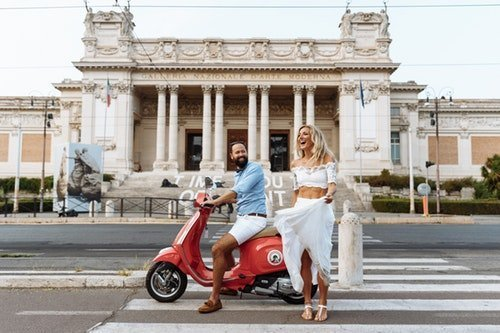italian couple vespa