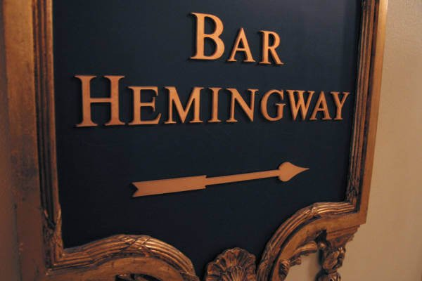 best-cocktail-bars-in-paris-hemingway