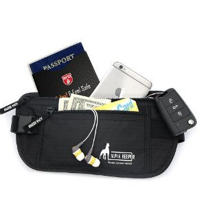 travel-gift-ideas-for-men-money-bag