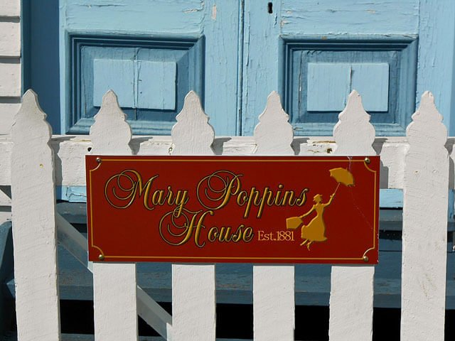 queensland-australia-mary-poppins-house-sign