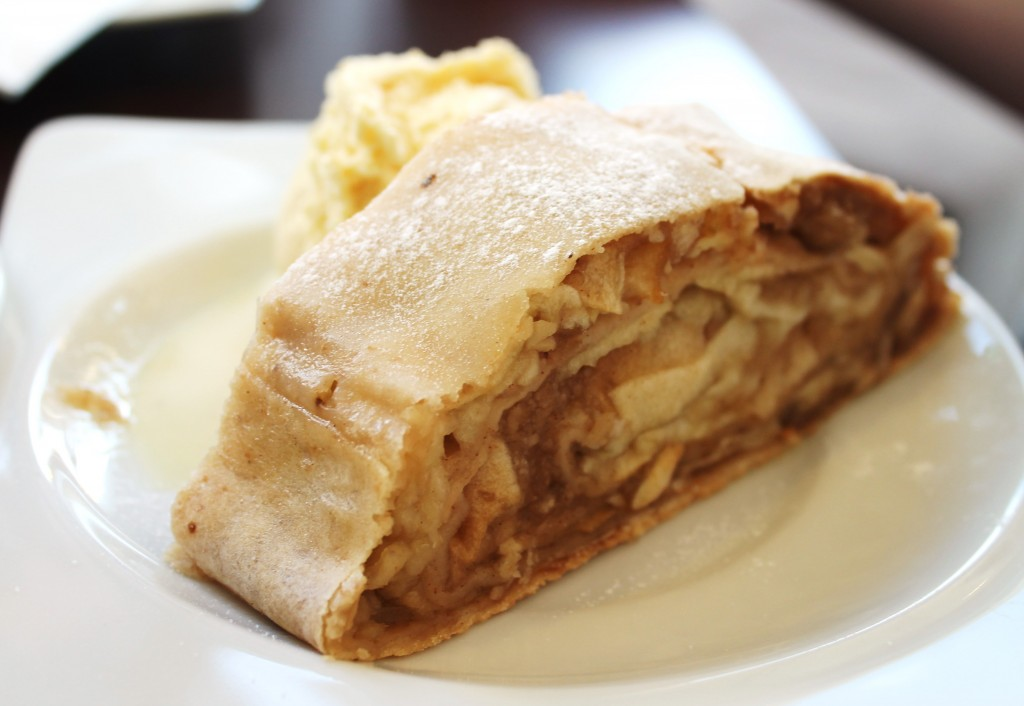 Apple Strudel in Cafe-Haus Koch, Berlin
