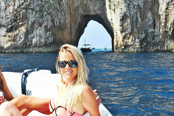 things-to-do-in-capri-rock-cave