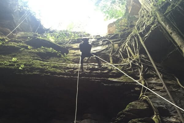 things-to-do-in-colombia-rappelling