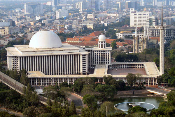 things-to-do-in-jakarta-istiqlal