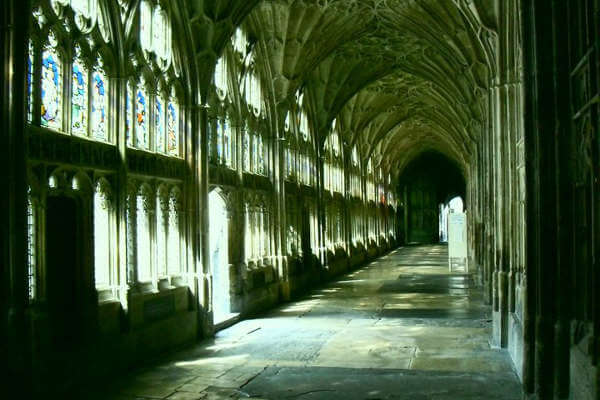 things-to-do-in-the-cotswold-gloucester-cathedral