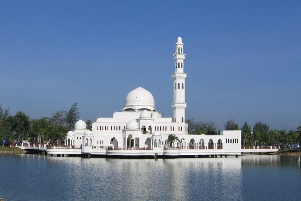 borneo-best-things-to-do-floating-mosque