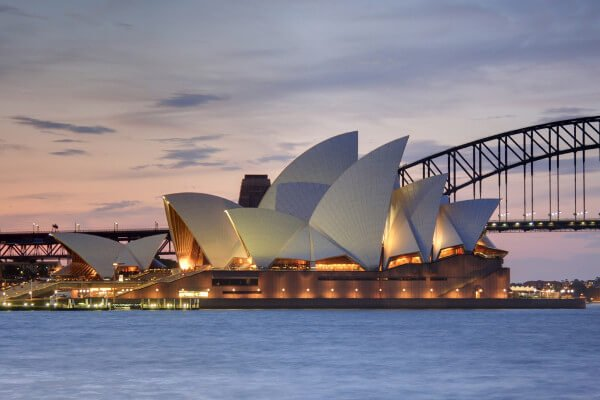 eight-must-see-sydney-attractions-opera-house