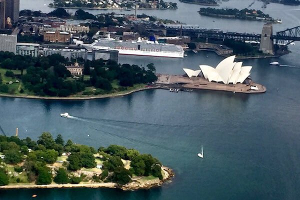 eight-must-see-sydney-attractions-sea-plane