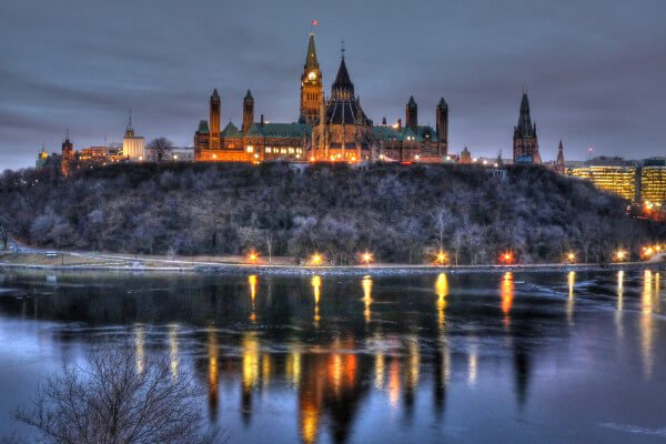 awesome-things-to-do-in-ottawa-parliament-hill