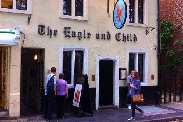 five-fun-historical-places-in-oxford-eagle-and-child