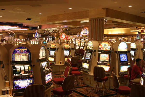 Best-Things-To-Do-In-Las-Vegas-As-A-Couple-casino