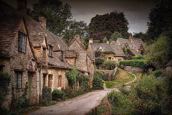 five-beautiful-villages-just-a-short-drive-from-london-bibury