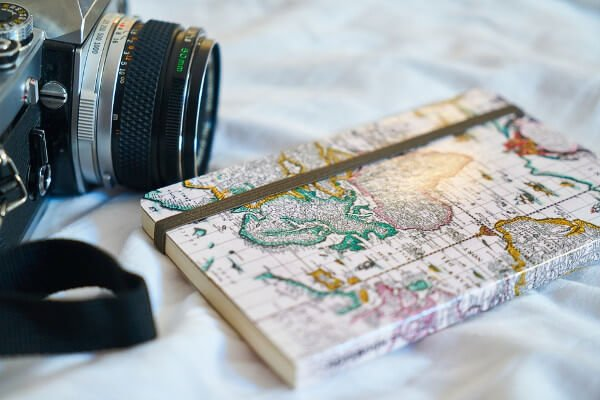 what-to-pack-when-travelling-to-study-overseas-diary