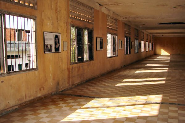top-places-to-visit-in-phnom-penh-tuol-sleng