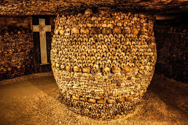 fun-and-unusual-sightseeing-for-paris-catacombs