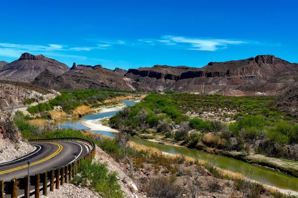 iconic-motorcycle-routes-in-the-usa-river-road-texas
